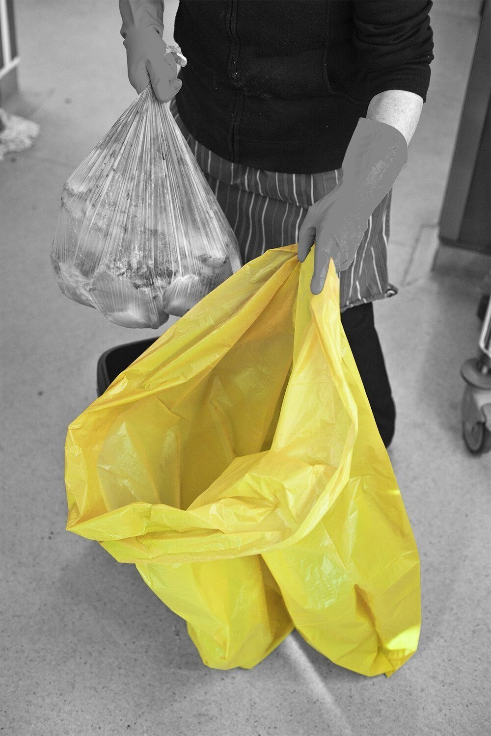 Yellow Refuse Sack Medium Duty 457/725 X 975mm 140 Gauge 90 Litre Flat Packed